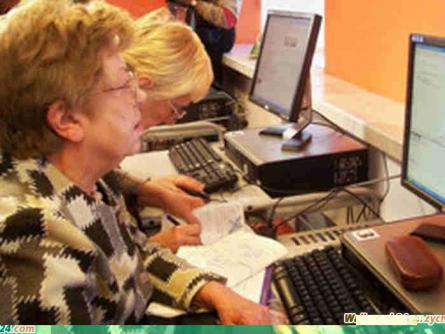 Zajęcia komputerowe dla seniorów